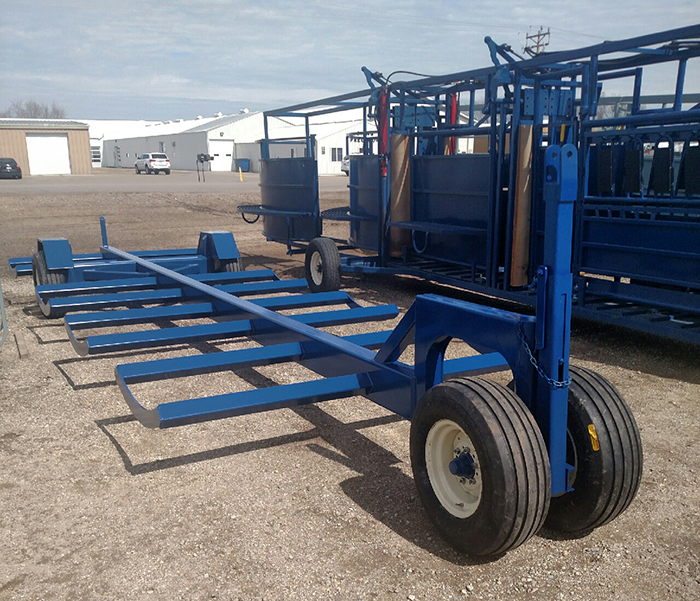 8 Bale transporter with heavy duty tires
